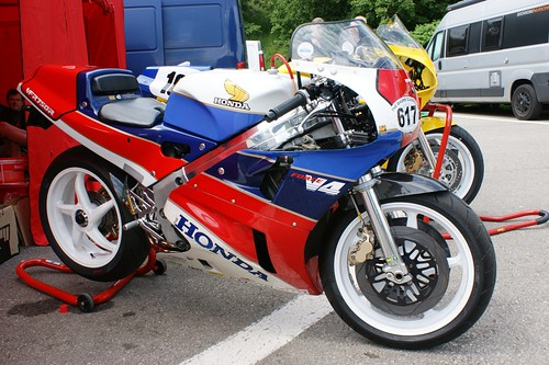 Honda VFR750R RC30 (Paul Kerry, 1988)