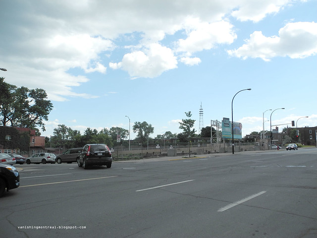Sherbrooke between Prud'Homme and Decarie