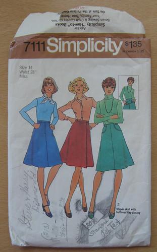 S2111 70's skirt pattern