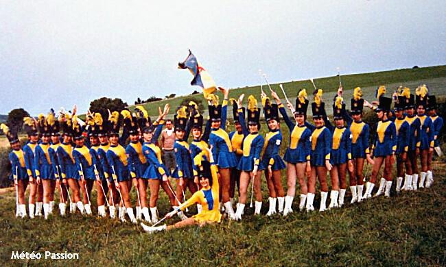 majorettes de Montargis au concours de Nevers, par le mauvais temps et la fraîcheur du début juillet 1978 météopassion