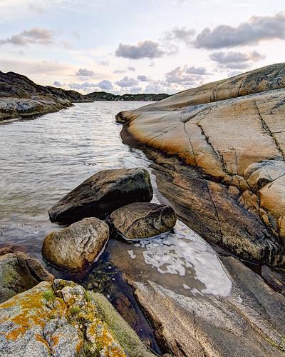 Three rocks by Brintam