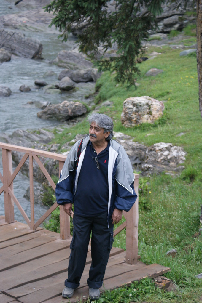 """MJC Summer 2012 Excursion to Neelum Valley with the great """"LIBRA"""" and Co - 7595698694 5062f98935 b"""