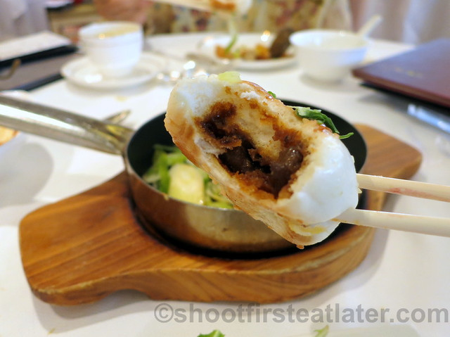 pan fried minced pork, beef & pepper buns HK$48-002
