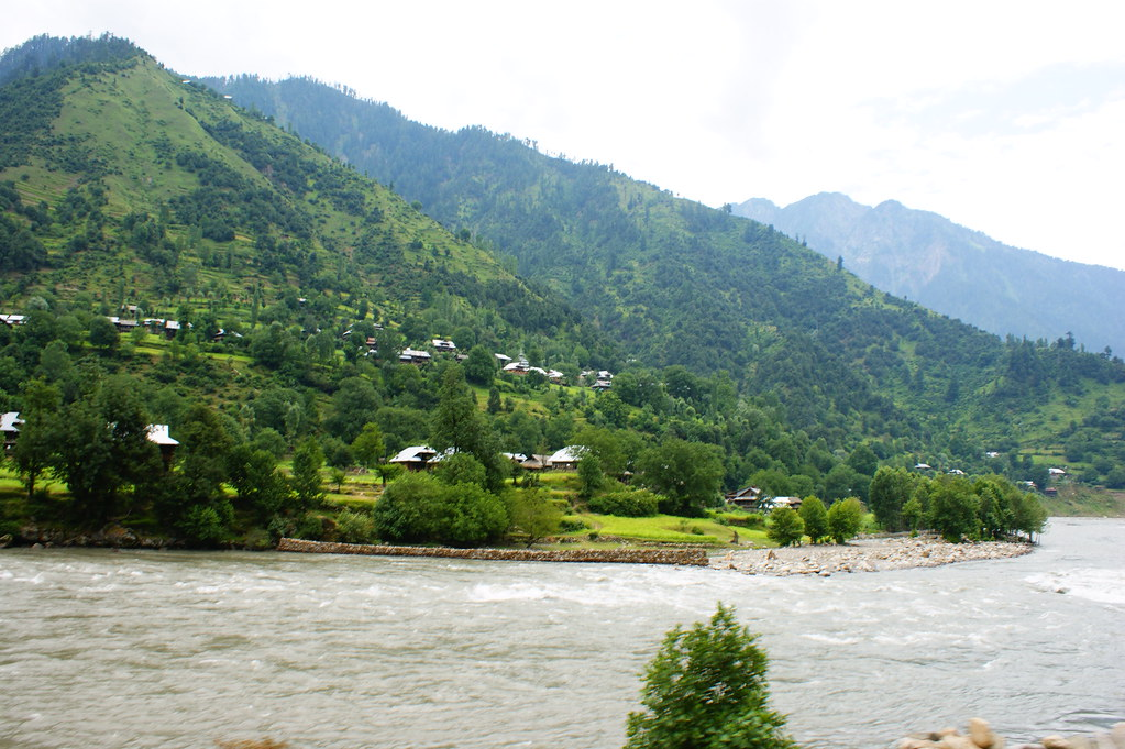 """MJC Summer 2012 Excursion to Neelum Valley with the great """"LIBRA"""" and Co - 7642328846 4364c8426a b"""