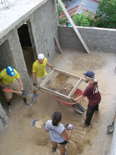santiago home church kids work concrete construction sand dominicanrepublic dr banana missiontrip lamosca medicalclinic goministries reunionchristianchurch hatodelyaque reunioninthedr
