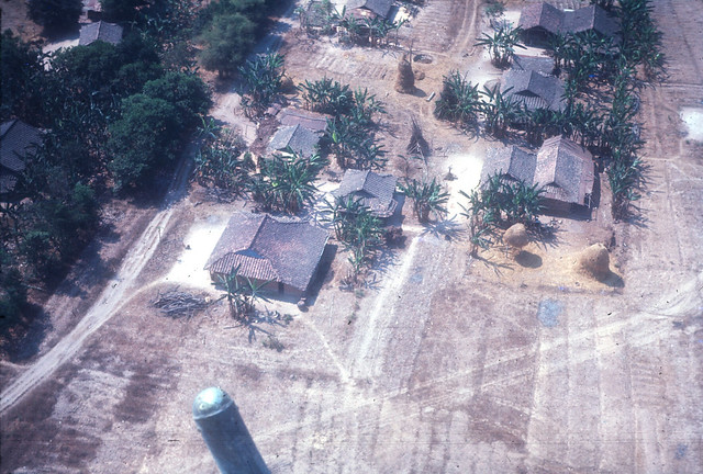 Village near Phu Loi - làng ở gần Phú Lợi