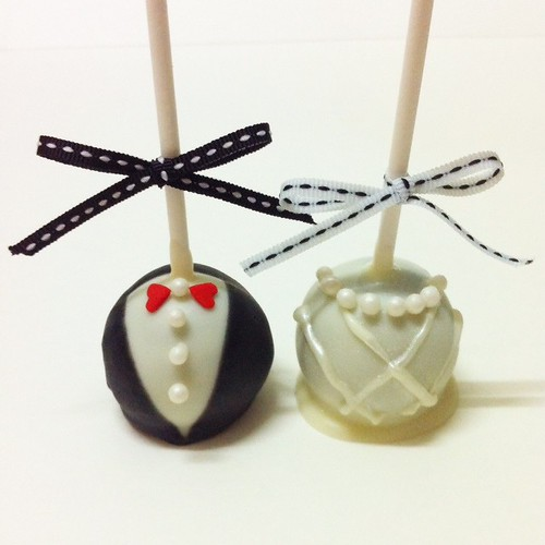 Bride & Groom Cake Pops