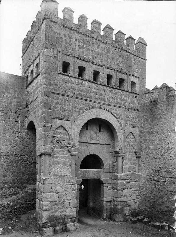 Puerta vieja de Bisagra en los años 20. Fotografía de Otto Wünderlich. © Fototeca del Patrimonio Histórico