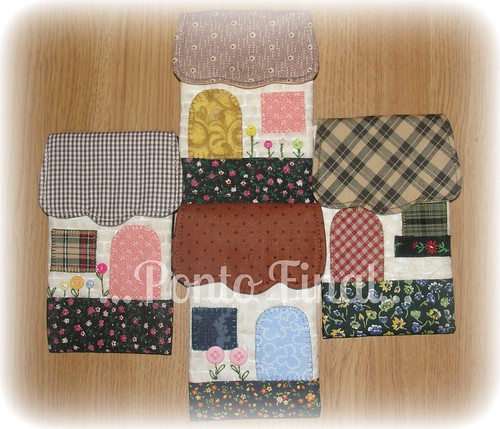 ...Porta celular casinha... by Ponto Final - Patchwork