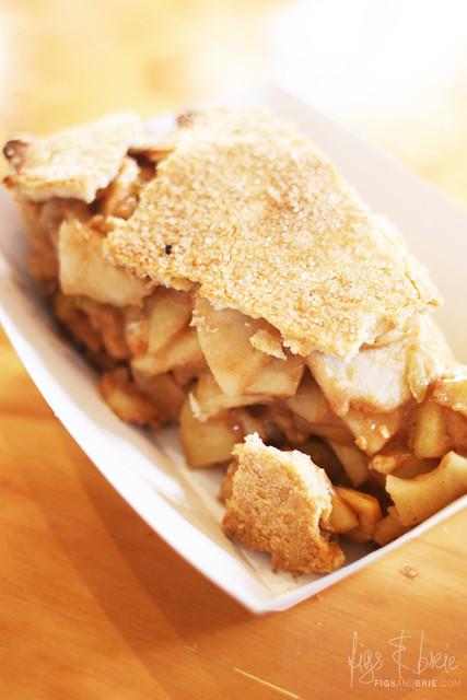 The Apple Pie that ate Newtown, The Pie Tin