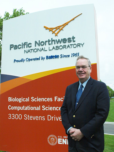 Under Secretary for Rural Development, Dallas Tonsager recently visited the Pacific Northwest National Laboratory in Richland, Wash., with other members of a technical advisory committee exploring ways to further the use and development of advanced bio-fuels.   Photo by Phil Eggman, USDA