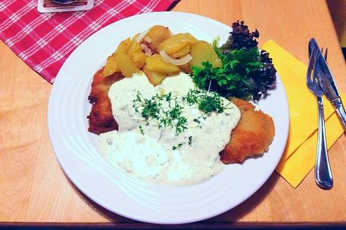 Hessisches Rahmschnitzel / Hessian sour cream schnitzel