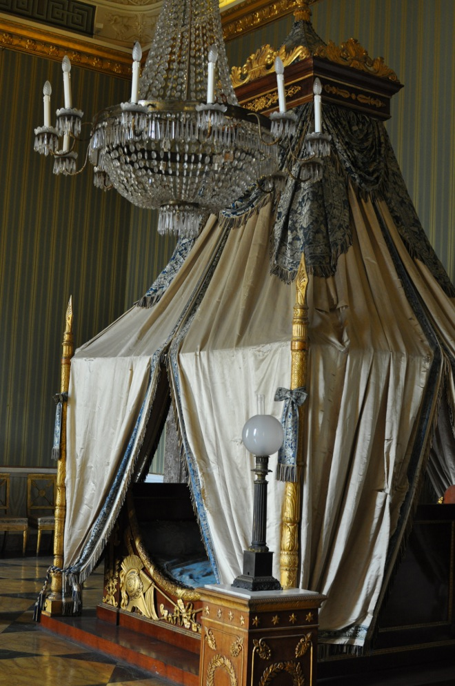 royal palace of caserta the 39 800 apartments. Black Bedroom Furniture Sets. Home Design Ideas