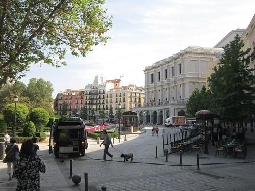 オリエンテ広場近くの街並み 2012年6月1日 by Poran111