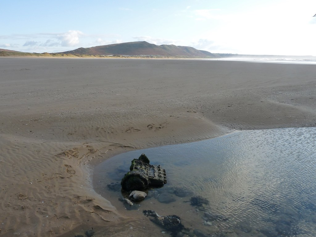 11737 - Engine block, Rhossili