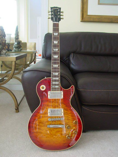 Photo:Gibson Guitars  2 By Larry Ziffle