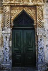 Madrasa (Jerusalem): Exterior: Entrance with reused Crusader columns