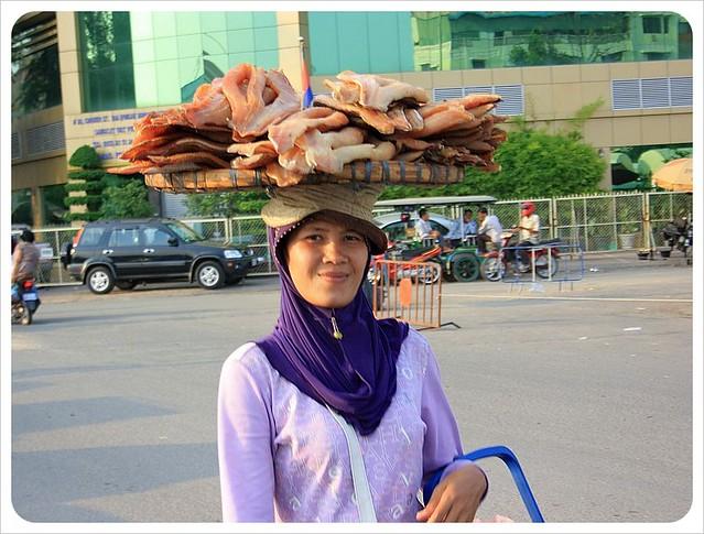 phnom penh market fish lady