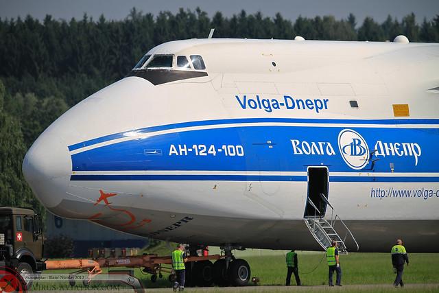 An-124 Emmen 2012-4