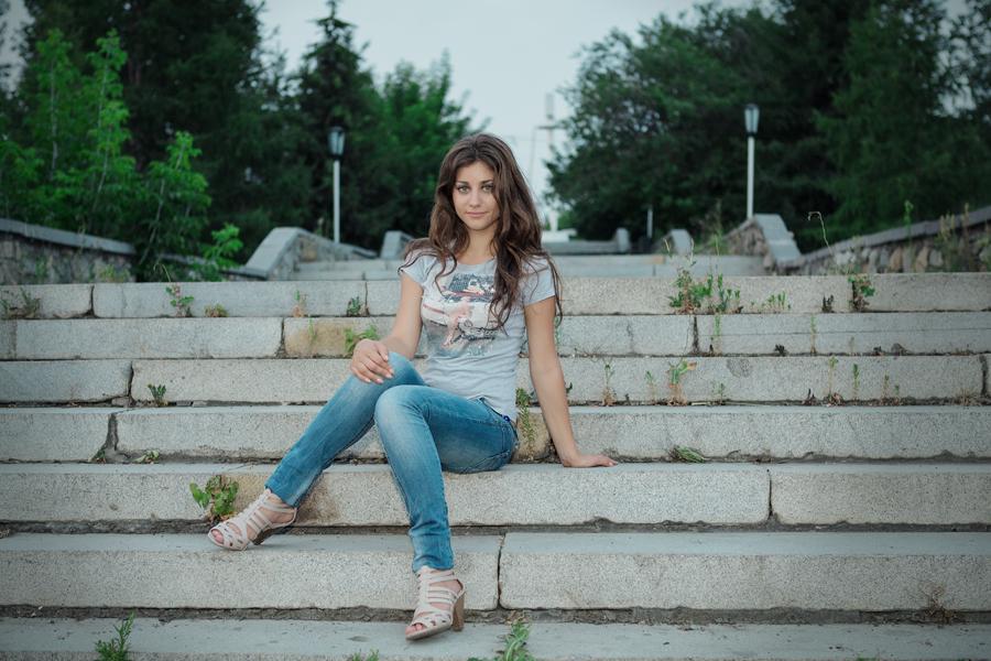 Выездная фотосессия девушки, уличная фотосесиия, интерьерная фотосессия, фотосъемка портрета