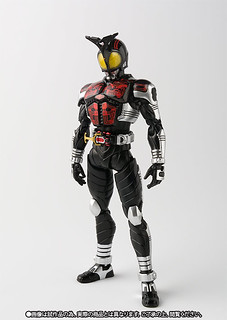 【TAMASHII NATION 2016 紀念商品】S.H.Figuarts 假面騎士Dark Kabuto 騎士形態(Rider Form)「真骨彫製法」!