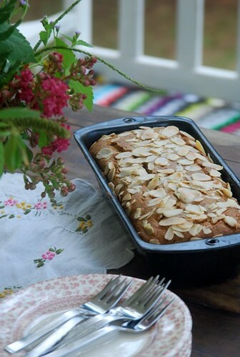 fresh banana bread - recipe by good mood factory / Anita Damas