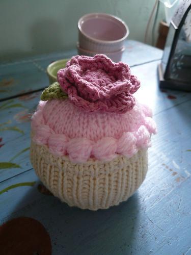 Pink cupcake, new piping
