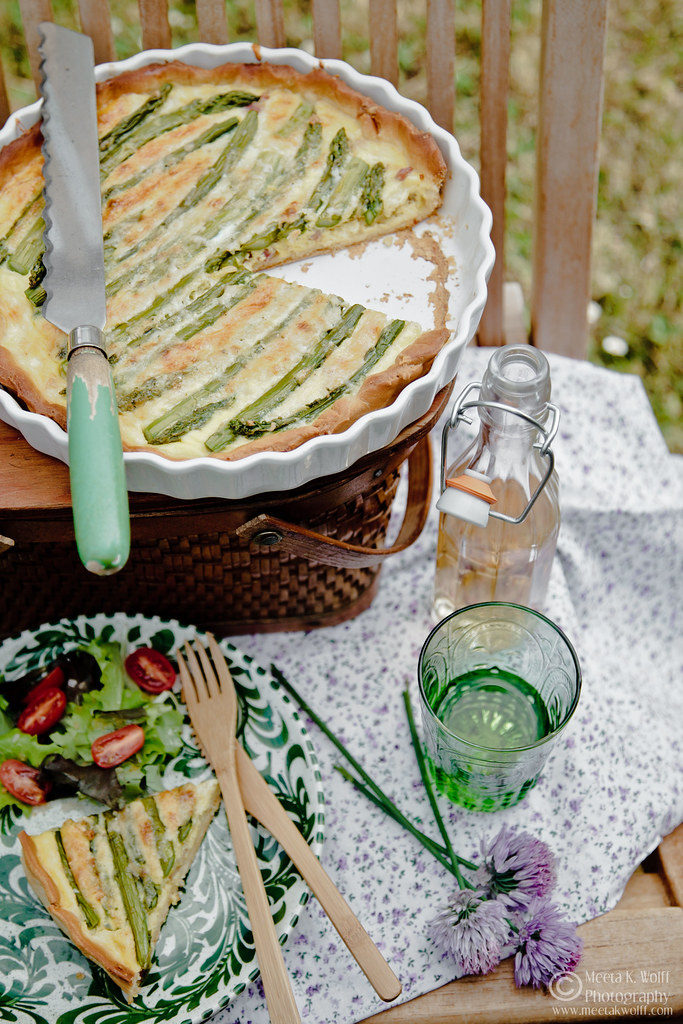 Smoked Cheddar and Asparagus Quiche (0026) by Meeta K. Wolff
