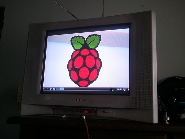 Raspberry Pi Smart CRT-TV