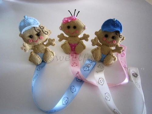 ♥♥♥  Prendedores baby... já perdi a conta a quantos já fiz :))) by sweetfelt \ ideias em feltro