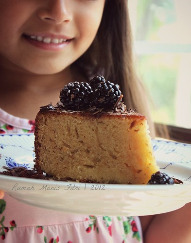 Almond Blackberry Cake by Fitri D. // Rumah Manis