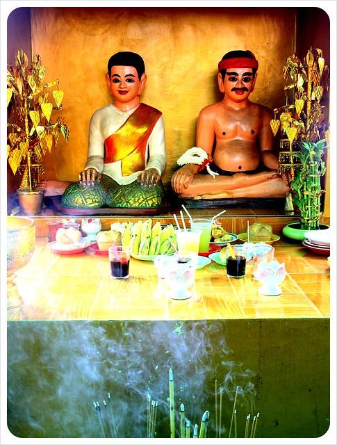 phnom penh central market buddha shrine