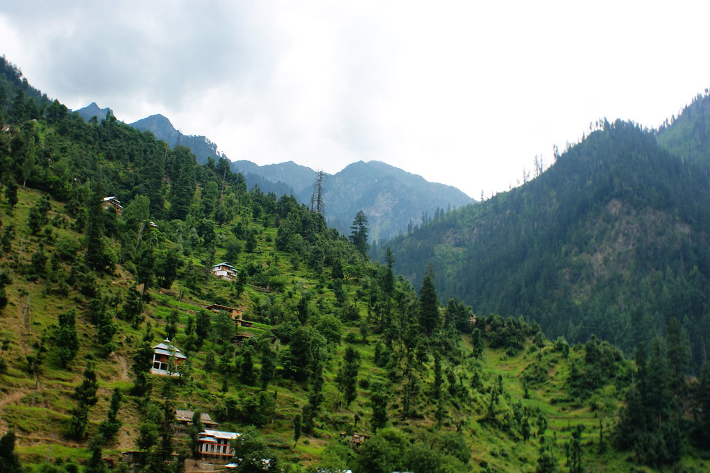 """MJC Summer 2012 Excursion to Neelum Valley with the great """"LIBRA"""" and Co - 7642004994 36cdb59d4b b"""