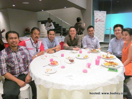 Syukri Mohammad Nor, Ismail Che Rus, Mohd Syazwan, Kenny Wong, Raymond Liew, Simon Kam, Lynnett Yip