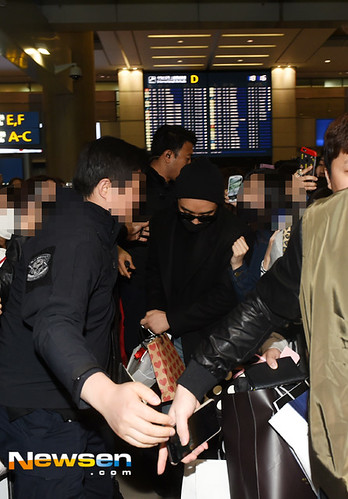 Big Bang - Incheon Airport - 22mar2015 - Seung Ri - Newsen - 02