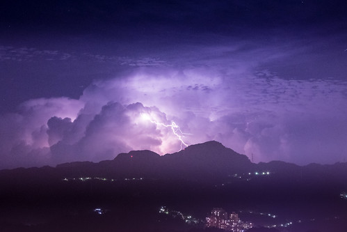lighting longexposure urban storm color horizontal night clouds canon iso3200 nightshot cloudy taiwan nopeople taipei 台北 thunder 70200mm 閃電 長曝 canoneos5dmarkiii
