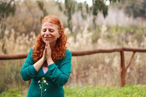 בתפילה ובהודיה