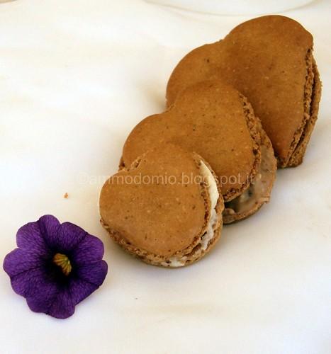 CUORI di Macarons alle nocciole