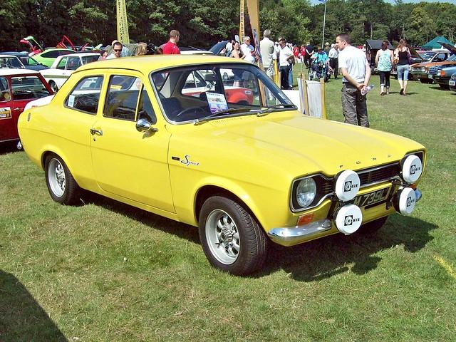 1300 escort ford sport