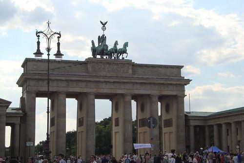 Kronprinz Friedrich war von 1786 bis zu seinem Tod König von Preußen, Markgraf von Brandenburg und Kurfürst des Heiligen Römischen Reiches in Berlin am Brandenburger Tor 1415