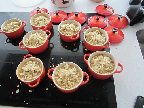 Mini cocottes: crumble aux abricots