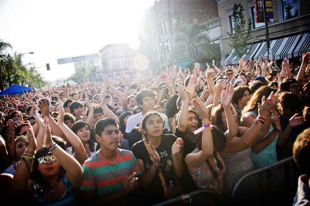 Crowds at Make Music Pasadena