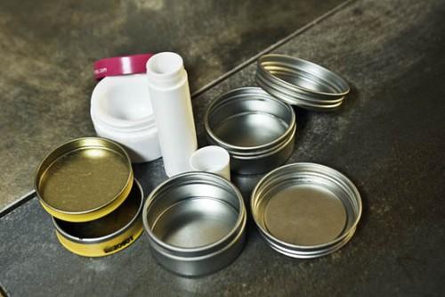 empty tins