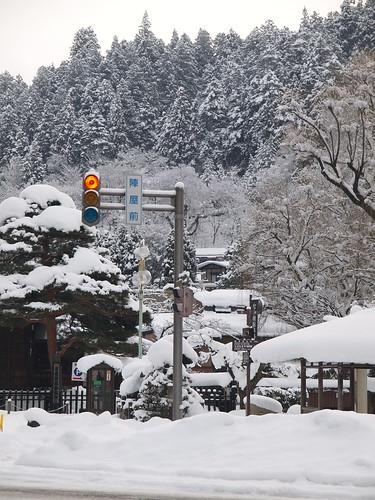 雪之陣屋前