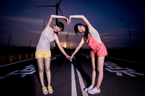 無料写真素材, 人物, 女性  アジア, 人物  二人, 台湾人, 風力発電, ハート