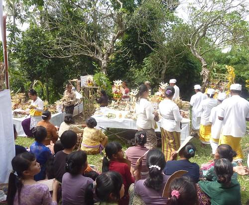 Bali-Funéraille hindoues-Après la crémation (9)