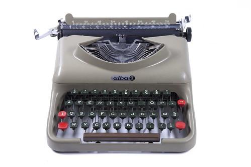 alba a4 typewriter