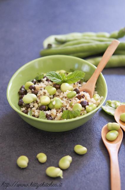 insalata di bulgur, quinoa e legumi