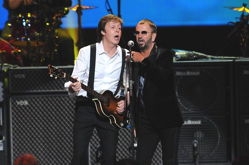 <p>Paul McCartney and Ringo Starr reunite, performing &quot;With A Little Help From My Friends&quot; in front of a sold-out crowd at the David Lynch Foundation event &quot;Change Begins Within&quot;.</p>
