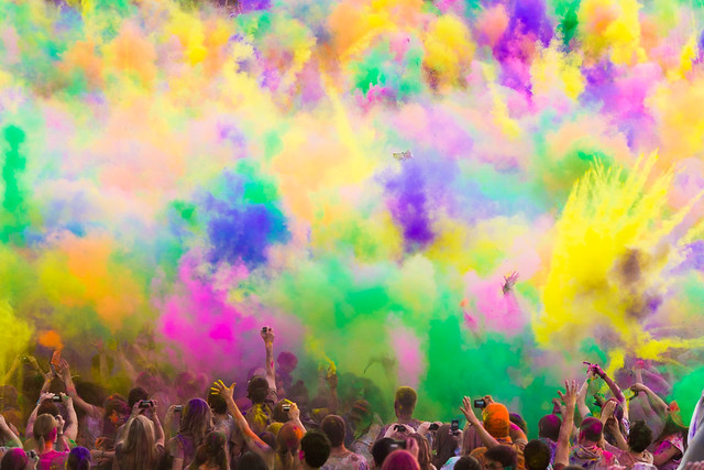 7195610312 3539b6b772 z 15 Amazing Images Of The Festival of Colors